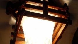 Светильник деревянный с одним плафоном