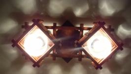 Люстра деревянная с двумя плафонами