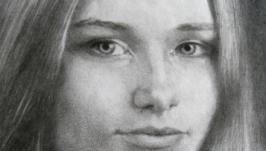 Портрет дівчини в графіці
