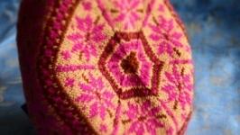 Берет ′пурпурова осінь′