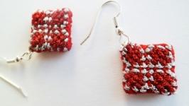 Вышитые серьги ′Красный ромбик′