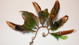Кафф из перьев и меди Амазонка