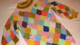 Детский вязаный свитерок в технике пэчворк