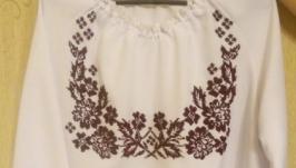 Женская сорочка вышитая бисером
