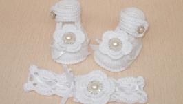 комплект Пинетки и повязка на голову с цветкос, белый