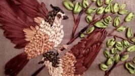 Картина вышитая атласными лентами, птички на ветке