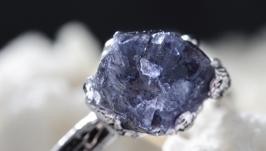 Кольцо ′Фиалковый камень′ (иолит) 6491