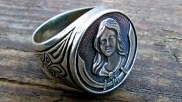 Перстень-печатка ′АМАЗОНКА′