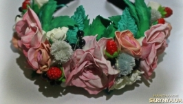 Обруч с розами из фоамирана