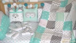 Комплект в детскую кроватку (бортики и постельное)