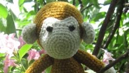 Игрушка-обезьянка, связанная крючком, амигуруми