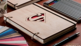 Блокнот с деревянной обложкой ′Superman!′