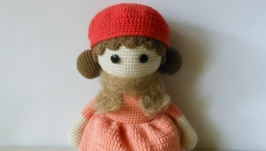 Вязаная игрушка ′Кукла Дейзи′