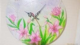 Подарок часы на стену ′Лилии′