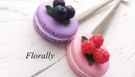 Вкусная ложка ′Макарунс с ягодами′