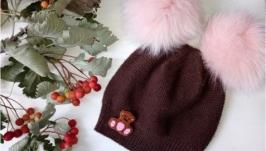 Зимняя шапочка с помпошками