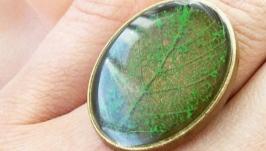 Кольцо со скелетированным листиком