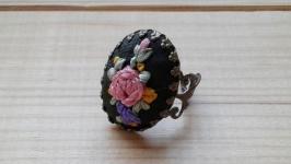 Кольцо с вышивкой ′Очарование′