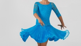 Рейтинговое платье 4-in-1 FIVE PRETTY PARTS