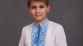 Вышиванка для мальчика белый лен голубая вышивка