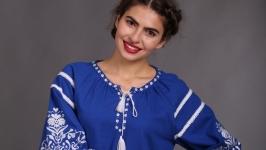 Вышиванка женская ′Дерево Жизни′ синий лён белая вышивка
