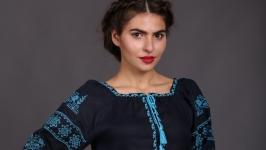 Вышиванка женская ′Птица′ синий лён бирюзовая вишивка
