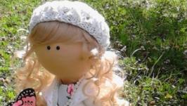 Лялька з метеликом