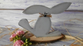 Зайчик, декор из дерева