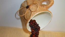 Парящая (летящая) чашка с кофе - ′символ изобилия′.