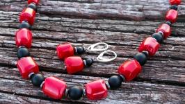 Комплект намисто з натуральних коралів і срібні сережки