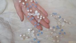 Свадебная бело-голубая веточка из перламутра, жемчуга и кварца  ′Пролиски′