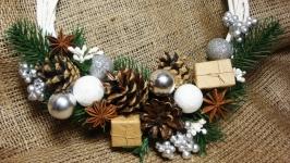 Рождественский интерьерный венок ′Серебристая зима′