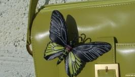 Брошь- бабочка из натуральной кожи