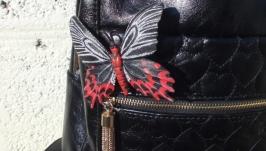 Брошь из кожи Бабочка