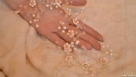 Свадебная веточка из жемчуга ′Ромашки′