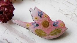 Брошь Розовая птичка с сухоцветами