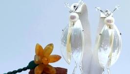 Серьги-жуки из перламутра и жемчуга ′Скоро весна!′.