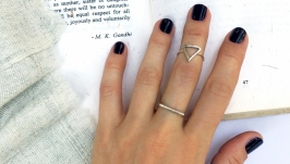 Серебряное кольцо с треугольником на фалангу