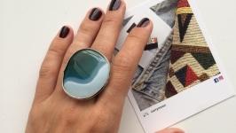 Женское кольцо с крупным натуральным агатом