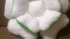 Декоративная подушка для оформления интерьера