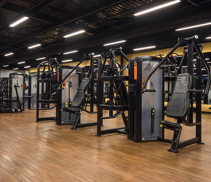 Smart fit academia unidade analia franco sp 1 equipamento area musculacao