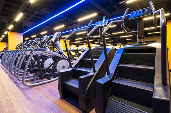 Smart fit academia sobradinho df area cardiovascular transport eliptico simulador de escada
