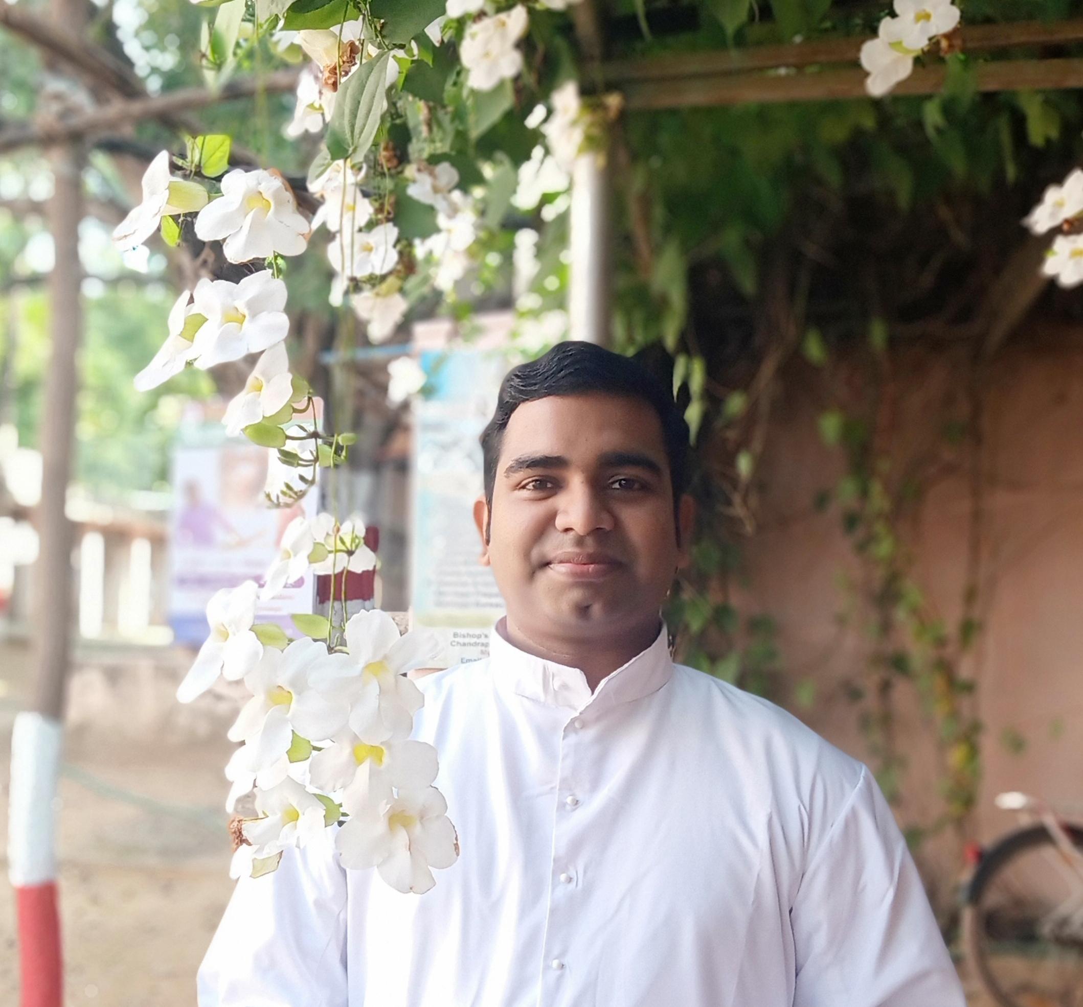 Fr. Nikhil Varghese Chakiath