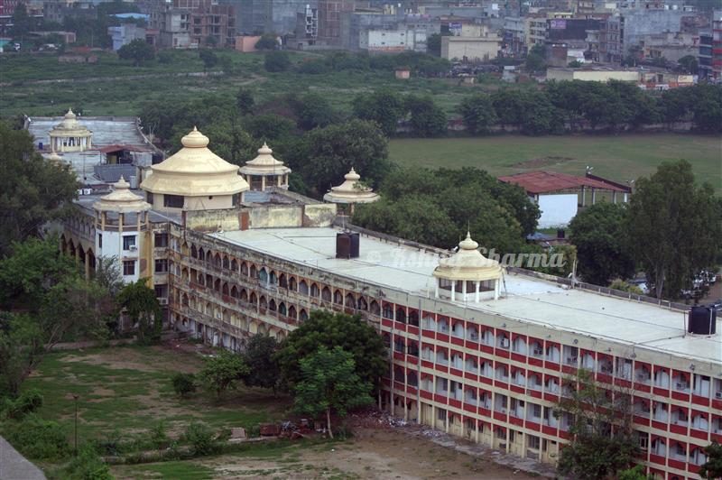 Sanskrit Univ Noida