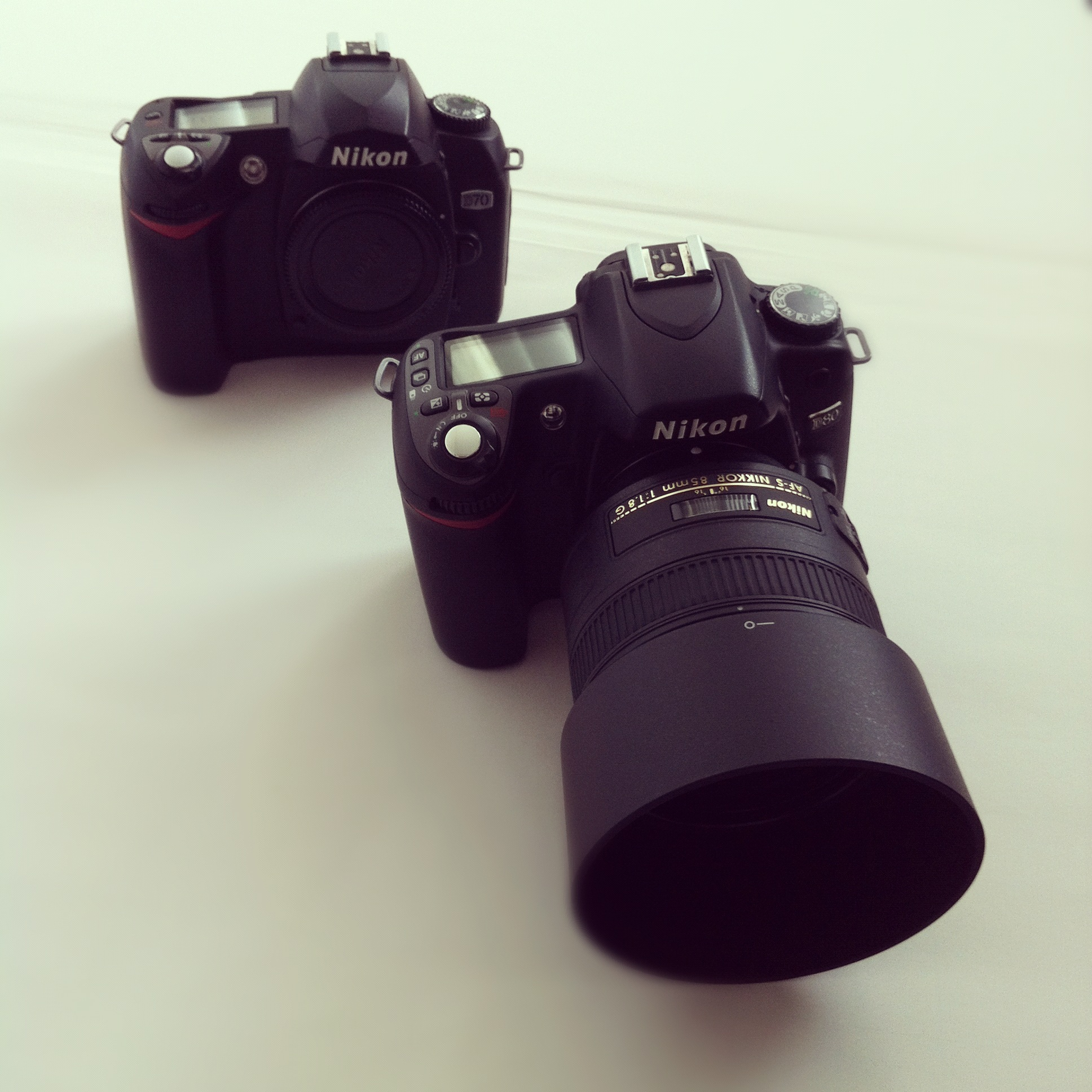 Twee Nikon Spiegelreflexcamera's