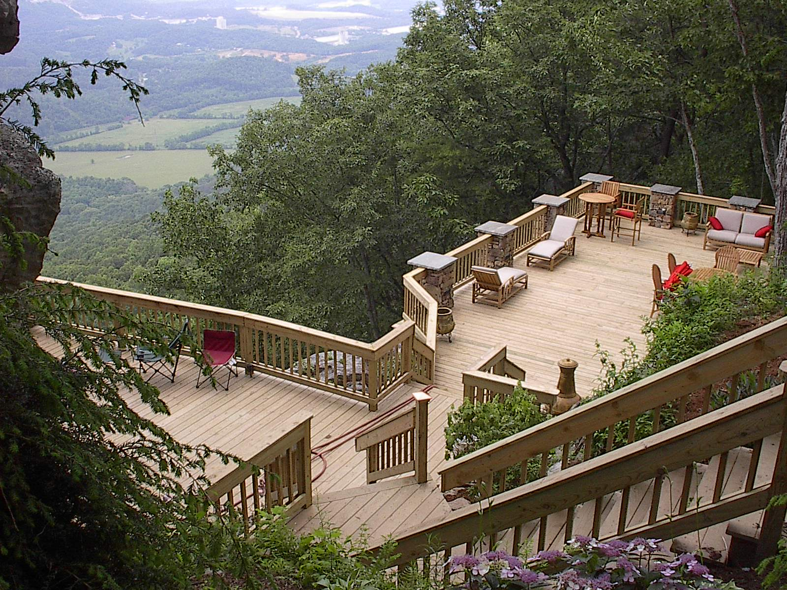 Stand Alone Deck Designs : Using the ins and outs of your deck