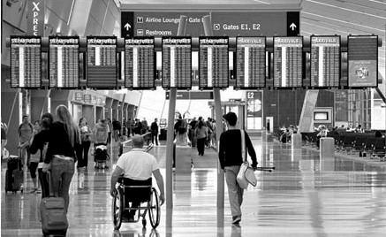 airport digital signage for travelers