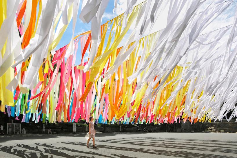 100 colours