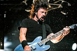 Thumb_foo_fighters_tour_2015
