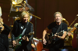 Thumb_roger_waters_joe_walsh_by_brian_killan